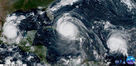 Vue satellite du 8 septembre du trio infernal évoluant dans le golf du Mexique : Irma, José et Katia publié par Keranaus, l'observatoire français des tornades et orages violents