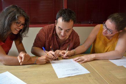 Les statuts de la SCOP sont signés à trois, Sophie rejoindra l'équipe à l'automne.
