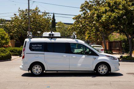 Les Apple vans ? Des véhicules bardés de capteurs, des données enregistrées sur cartes SSD et un système de cartographie piloté par un simple iPad.