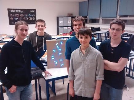 Ils ont entre 13 et 17 ans, bravo à Léo Tranchart, Tristan Gouge, Tristan Drussel, Simon Archieri et Baptiste Nicolas (de gauche à droite) et longue vie à leur panobus.