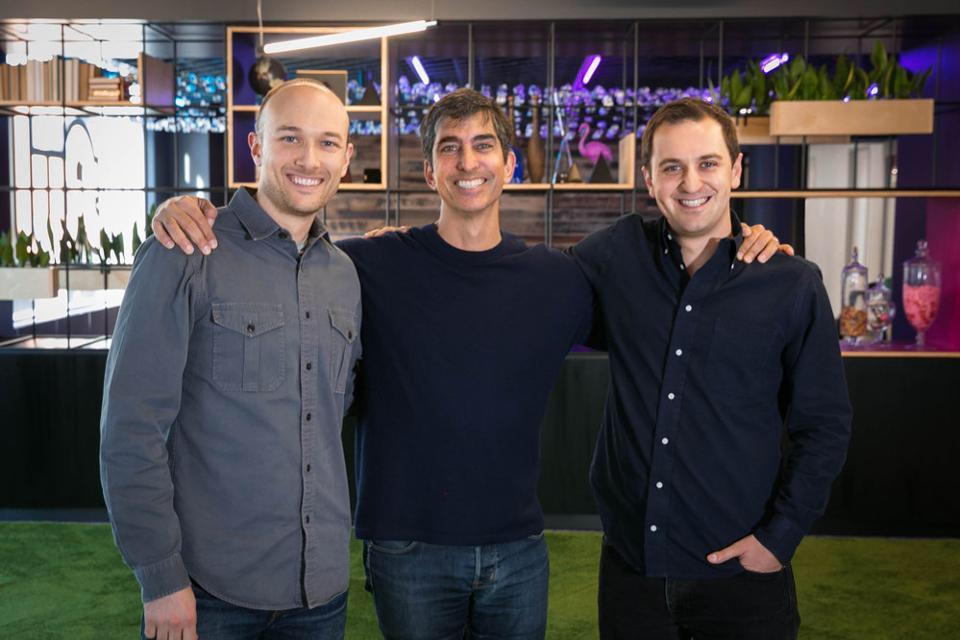 Les fondateurs de Lyft entourent leur nouveau partenaire financier