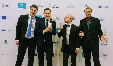 L'équipe de MapTiler a reçu le trophée des Copernicus masters le 4 décembre à Marseille