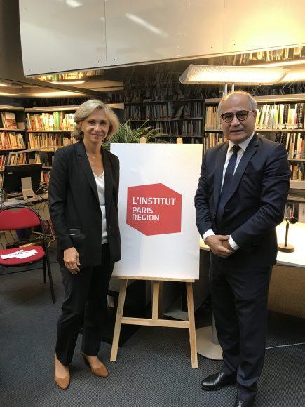 Valérie Pécresse, présidente de la région et Fouad Awada (directeur de l'IAU) dévoilent le nouveau logo de l'institut